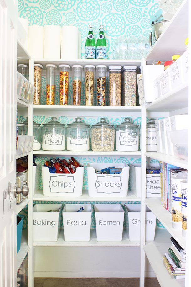 Easy Tips to Organize the Kitchen - Label the perfect sized storage bins and airtight containers to easily organize your pantry and make it look pretty #kitchenorganization #kitchenhacks #kitchentips #kitchenideas #organizationtips #organization #organizationideas