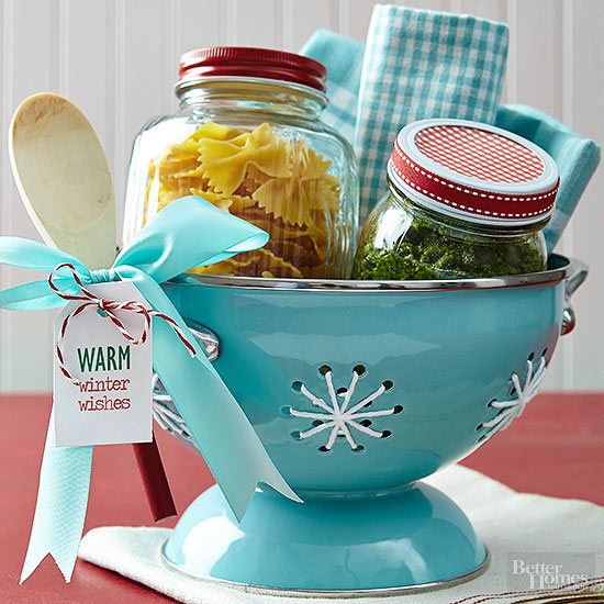DIY Worry Free Weeknight Dinner Gift Basket Idea via BHG - Do it Yourself Gift Baskets Ideas for All Occasions - Perfect for Christmas, Birthdays, a Thank You Gift or just because! #giftbaskets #giftbasketideas #diygiftbaskets #gifthampers #easygifts #giftideas #birthdaygifts #diybirthdaygifts #birthdaygiftideas