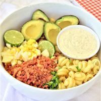 EASY Avocado Egg Bacon Pasta Salad Recipe via Dreaming in DIY - No refrigeration waiting time needed!