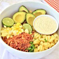 EASY Avocado Egg Bacon Pasta Salad Recipe via Dreaming in DIY - No refrigeration waiting time needed!