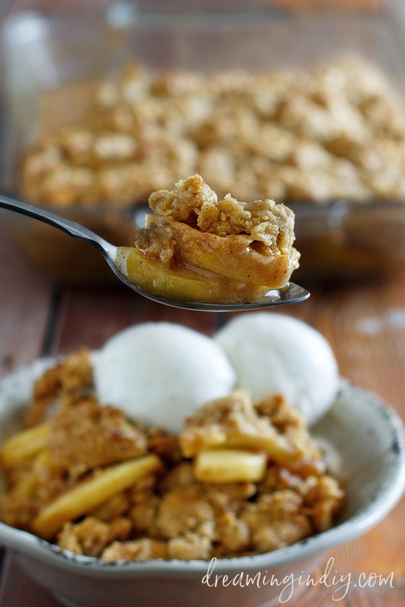 Easy Apple Crisp Recipe - Spoonful - Dreaming in DIY