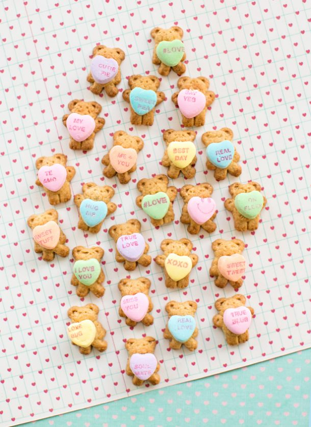 Valentine Teddy Grams Holding Conversation Hearts | Hello Wonderful - Easy Valentine's Day Dessert Recipes - Pink and Red Party Treats #valentinesdaydesserts #easyvalentinesdaydesserts #valentinesdaytreats #pinkandred #pinkdesserts #reddesserts #valentinesdayparty #valentinesday #heartshapedtreats #hearts #love